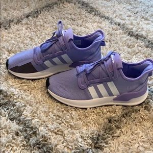 COPY - Adidas sneakers new